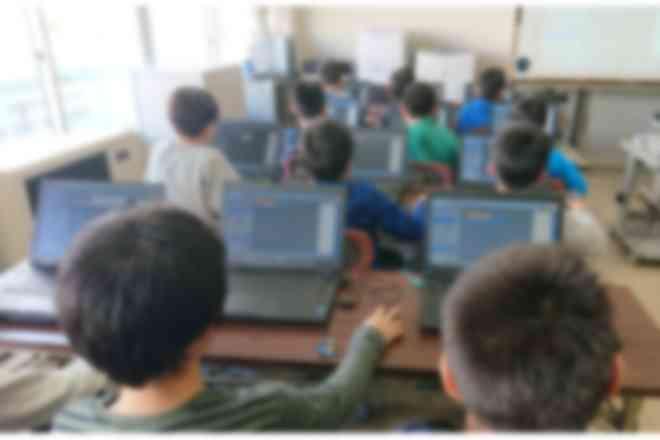 富山県内の小学校で講座を行っています