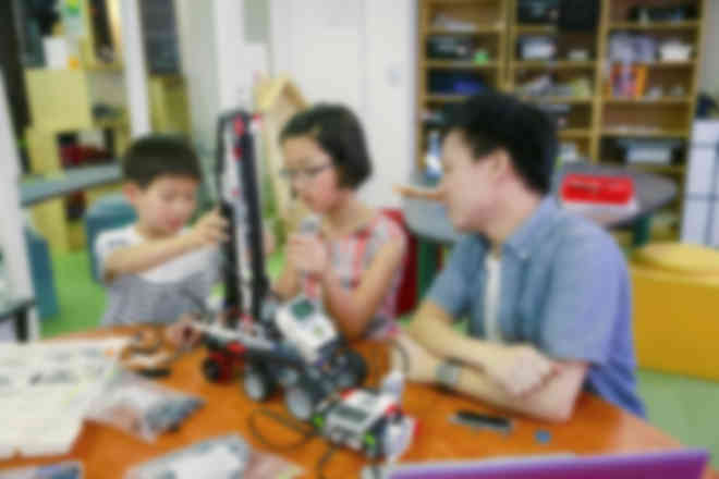 【ロボットテクニカルコース】より複雑なロボット構造や高度なプログラム制御を習得