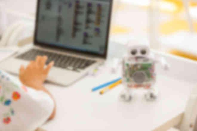 プログラミングでロボットを動かします