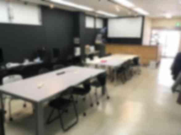 貸会議室・コワーキングスペース(WiFi・電源・プリンタ完備の作業場所)
