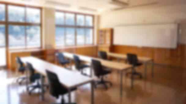 隼校の教室