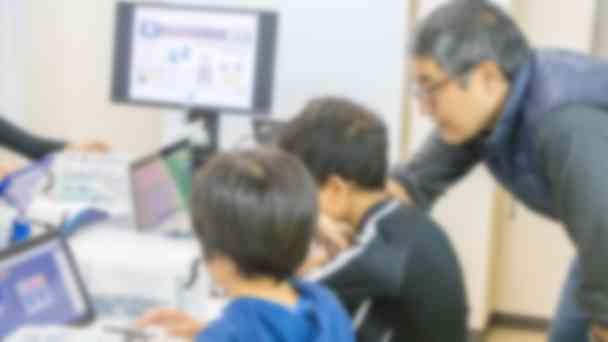 プログラミングのコースではロボットも製作。