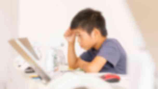 授業の子供の様子が写真と一緒にメールで届きます。