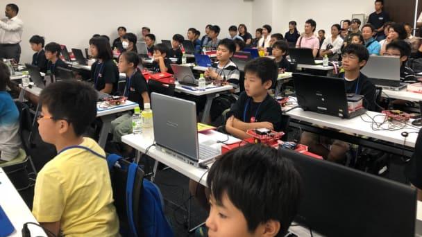 年1回開催するRoboRAVE九州大会
