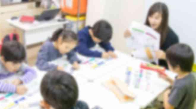 プログラミングのみではなく、STEM教育を受けられる教室です。