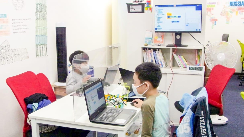 外部モニター プログラミングスクール