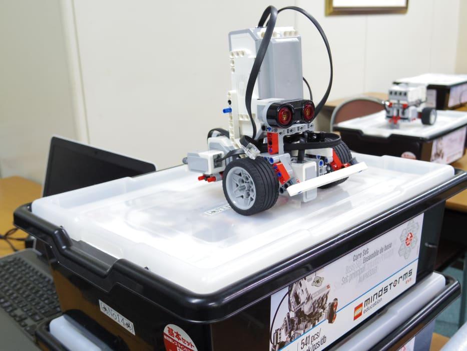 ITロボット塾の教材で使用する LEGO マインドストーム