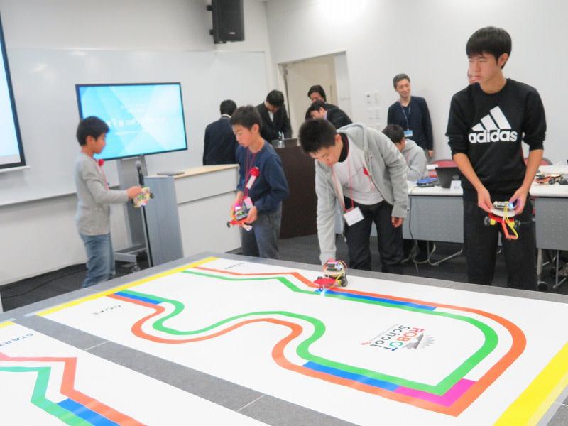 ヒューマンアカデミー ロボット教室 ロボティクスプロフェッサーコース 第1回ロボプロ全国大会 参加する生徒たち